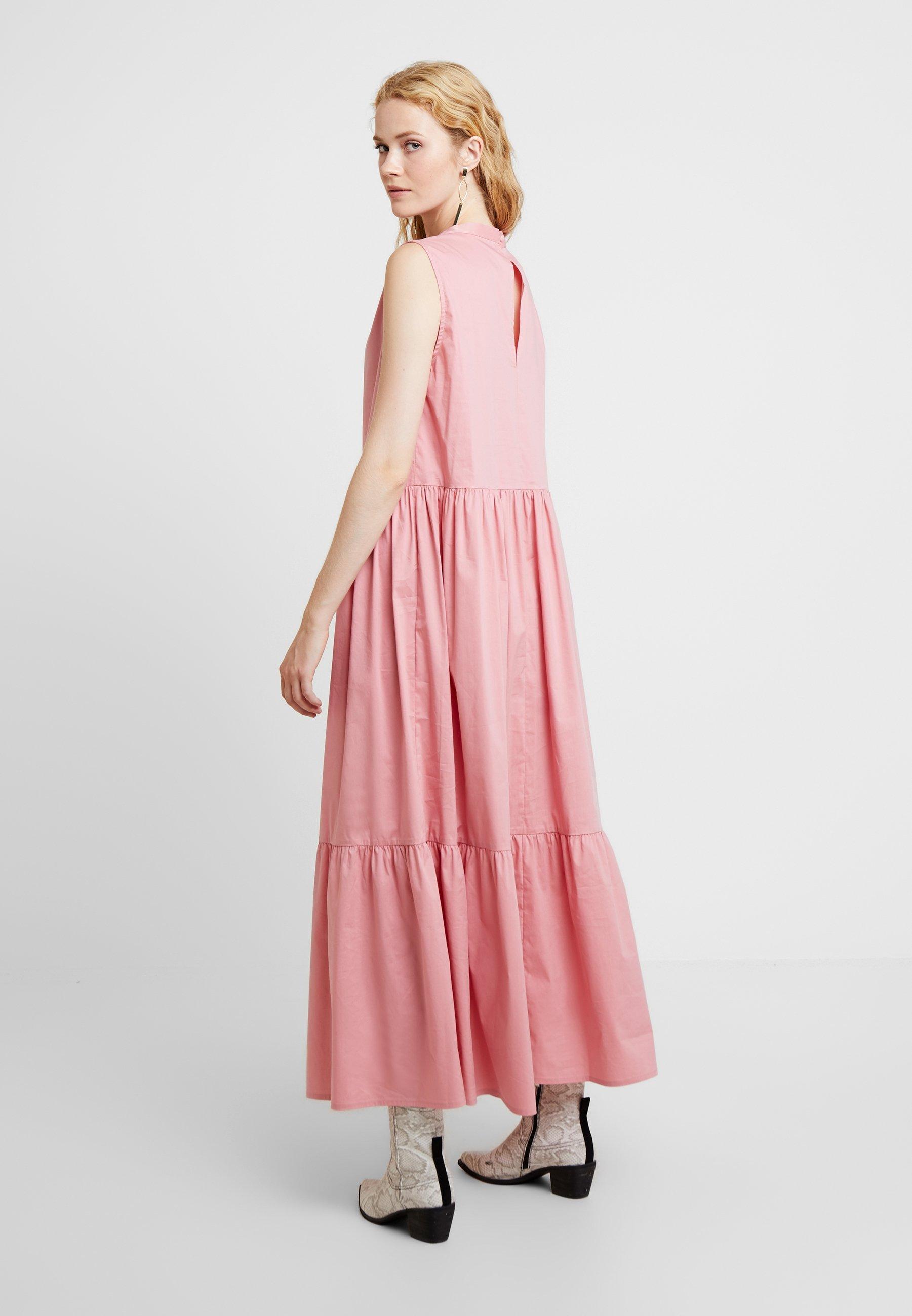 Love Copenhagen Vestito lungo - mirtillo berry rose