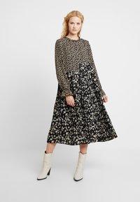 Love Copenhagen - MARTIEL PLISSE DRESS - Vestido informal - multi-coloured - 0