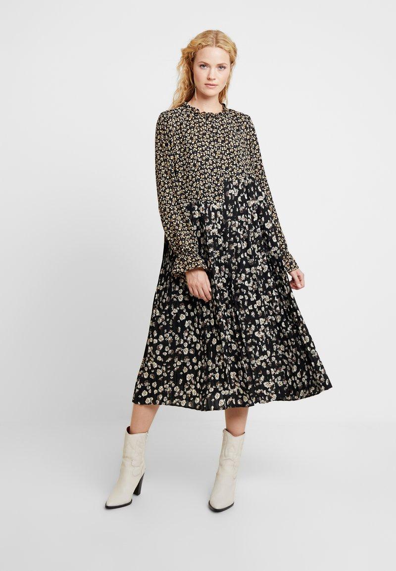 Love Copenhagen - MARTIEL PLISSE DRESS - Day dress - multi-coloured