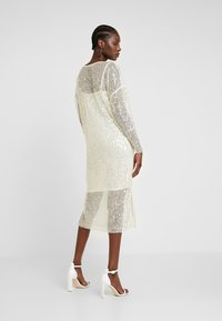 Love Copenhagen - MALY SEQUINS DRESS - Cocktail dress / Party dress - champagn metallic - 3