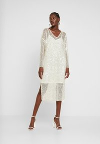 Love Copenhagen - MALY SEQUINS DRESS - Cocktail dress / Party dress - champagn metallic - 2
