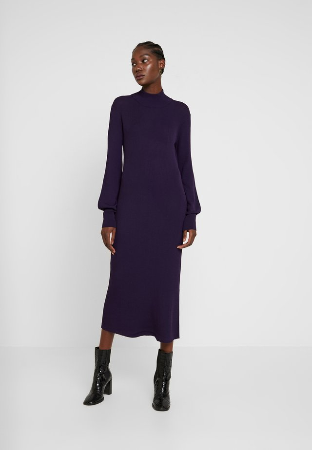 MARIELC TURTLE NECK DRESS - Maxikjoler - purple rain