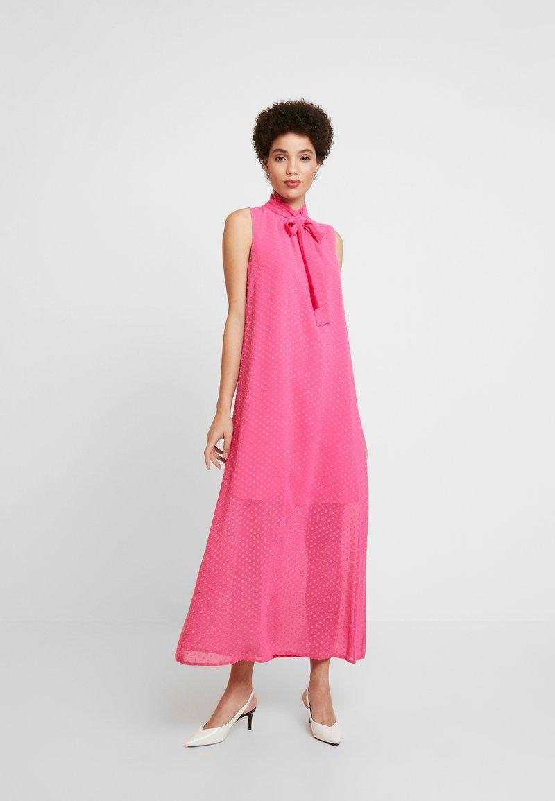 Love Copenhagen - NADINE DRESS - Hverdagskjoler - fandango pink