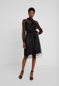 Love Copenhagen - DRESS - Skjortklänning - pitch black - 0