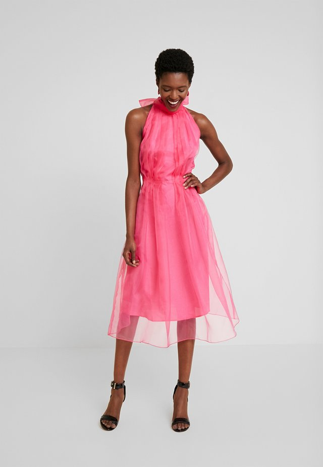DRESS - Cocktailjurk - fandango pink