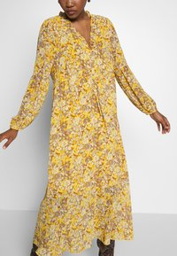 Love Copenhagen - BABARELLA DRESS - Maxikjoler - yellow - 3