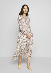 Love Copenhagen - LIZ DRESS - Day dress - beige - 0