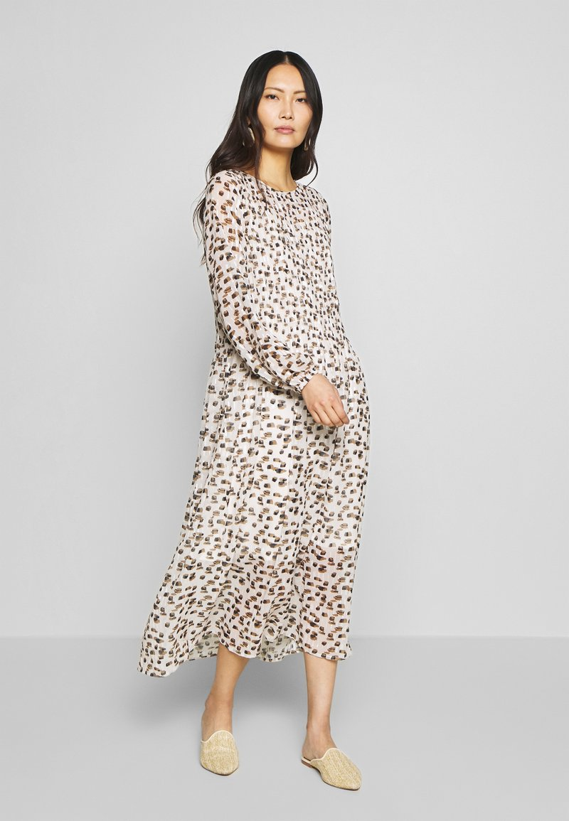 Love Copenhagen - LIZ DRESS - Day dress - beige