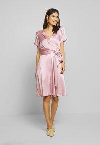 Love Copenhagen - LORETTAL DRESS SHORT - Cocktailkjoler / festkjoler - pink nectar - 1