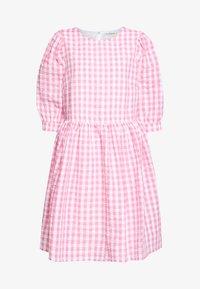 Love Copenhagen - GINA DRESS - Freizeitkleid - pink - 0