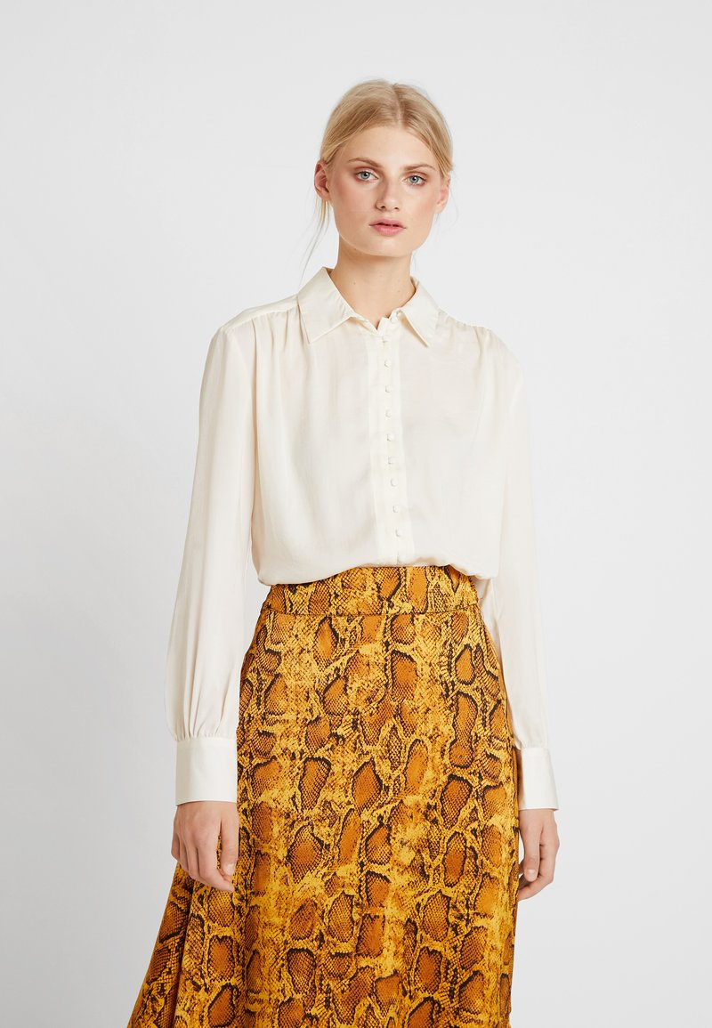 Love Copenhagen - SADIELC - Button-down blouse - tofu white