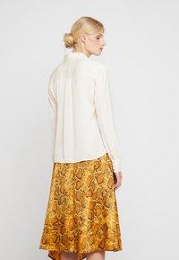 Love Copenhagen - SADIELC - Button-down blouse - tofu white - 2