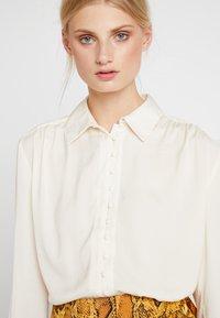Love Copenhagen - SADIELC - Button-down blouse - tofu white - 4