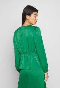 Love Copenhagen - NILALC BLOUSE - Bluser - jolly green - 2
