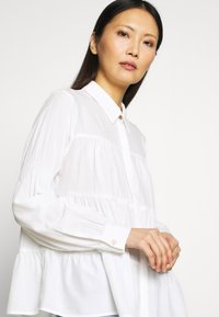Love Copenhagen - MONIKALC - Button-down blouse - snow white - 3