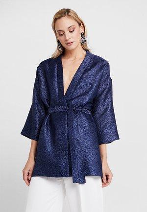 LYNNE EVENING KIMONO - Lett jakke - royal navy blue