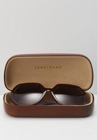 Longchamp - Zonnebril - brown - 3
