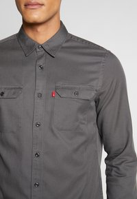 Levi's® Extra - JACKSON WORKER - Overhemd - forged iron - 5