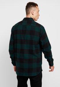 Levi's® Extra - JACKSON WORKER - Overhemd - bandurria pine grove - 2