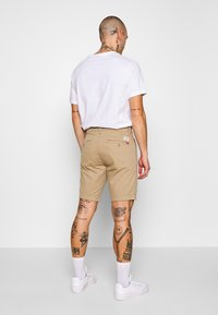 Levi's® - STD TPR CHINO SHORT SSZ - Shorts - true chino wonderknit short ccu b - 2
