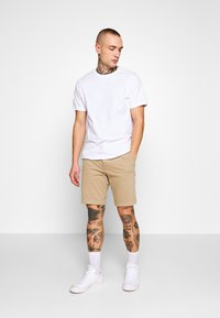 Levi's® - STD TPR CHINO SHORT SSZ - Shorts - true chino wonderknit short ccu b - 1