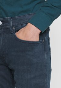 Levi's® - 502™ TAPER HI-BALL - Jeans Tapered Fit - swamp land - 5