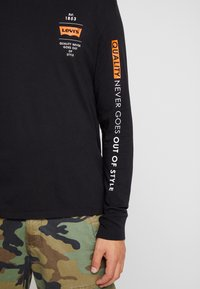 Levi's® Extra - GRAPHIC TEE - Long sleeved top - black - 6