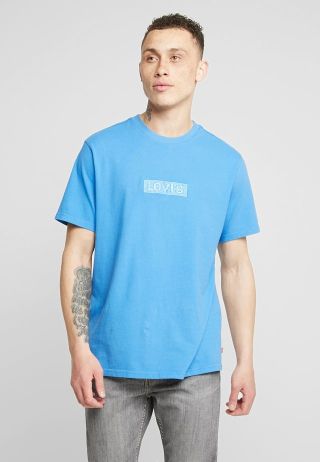 RELAXED GRAPHIC TEE - Basic T-shirt - blue