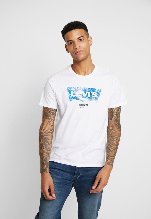 HOUSEMARK GRAPHIC TEE - T-shirt imprimé - world white