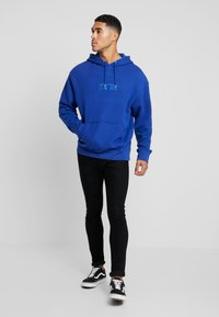 Levi's® Extra - RELAXED GRAPHIC HOODIE - Mikina s kapucí - babytab tech sodalite blue - 1