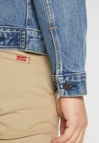 Levi's® - THE TRUCKER JACKET - Giacca di jeans - embossed 2 horse trucker - 5