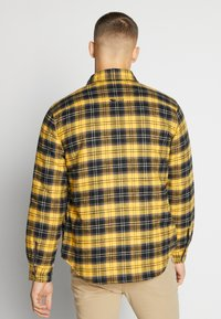 Levi's® - RVS JACKSON SHACKET - Lehká bunda - archer golden apricot - 2