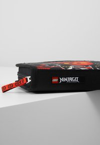Lego Bags - PENCIL CASE WITH CONTENT - Federmäppchen - red - 7