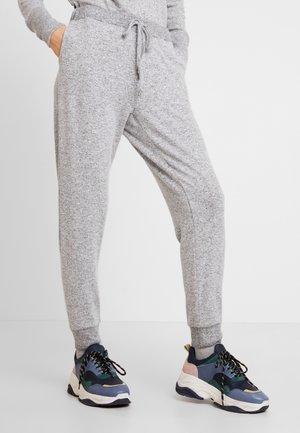 LUCCA PANTS - Verryttelyhousut - light grey melange