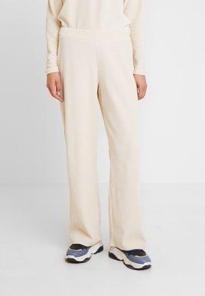 LILLIAN PANTS - Tygbyxor - warm off white