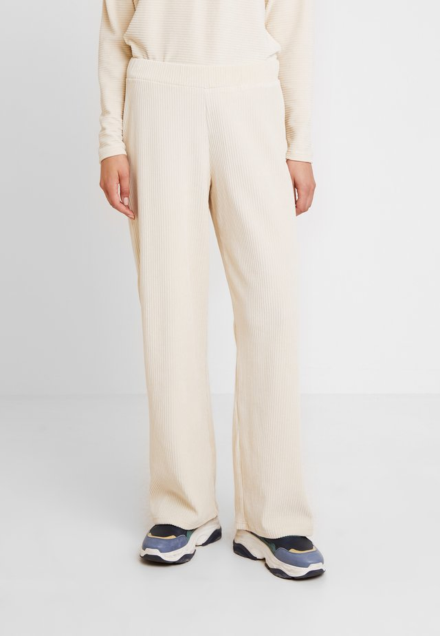 LILLIAN PANTS - Tygbyxor - warm off white