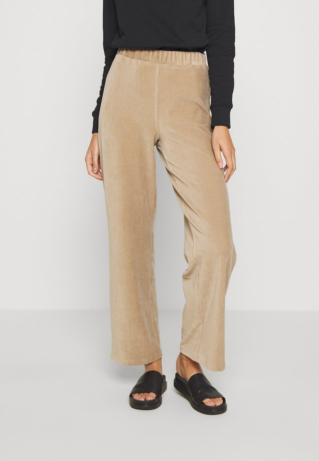 SLAYLN PANTS - Pantaloni - silver mink