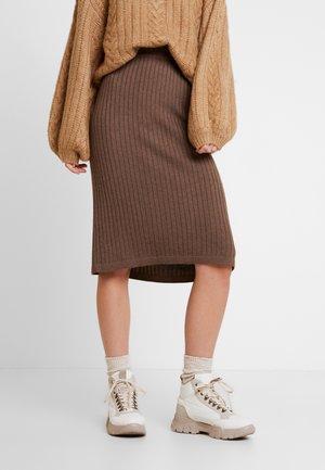 SUNNYLN SKIRT - Spódnica ołówkowa  - major brown melange