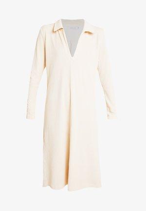 LILLIAN DRESS - Strikket kjole - warm off white