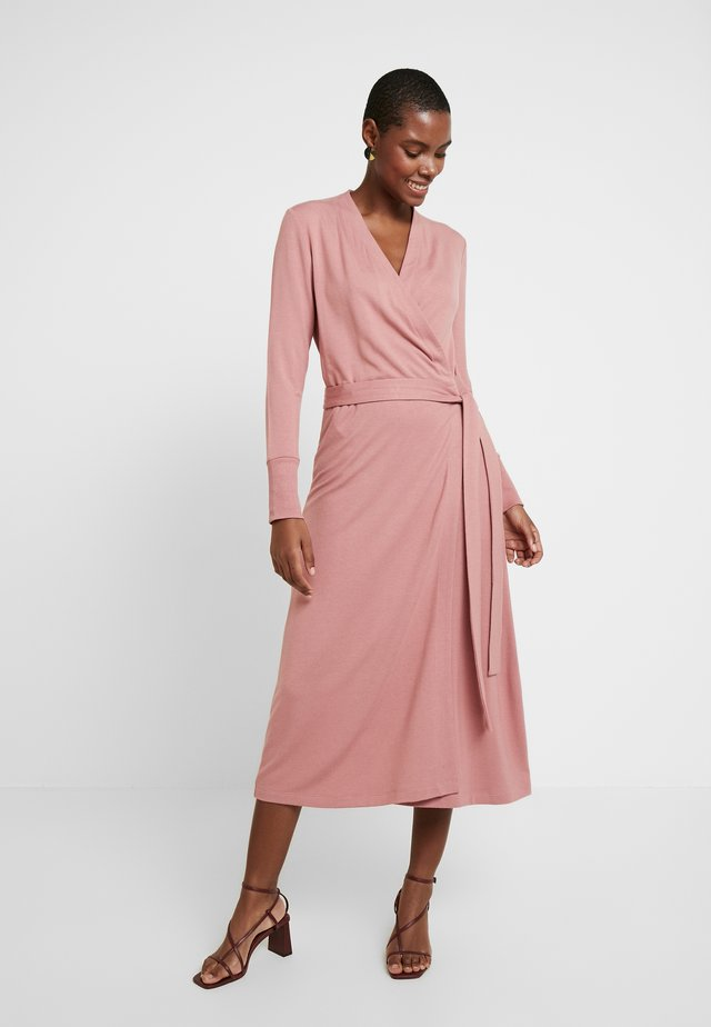 HUXIE WRAP DRESS - Korte jurk - old rose