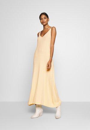 MAYLN DRESS - Maxi šaty - white swan