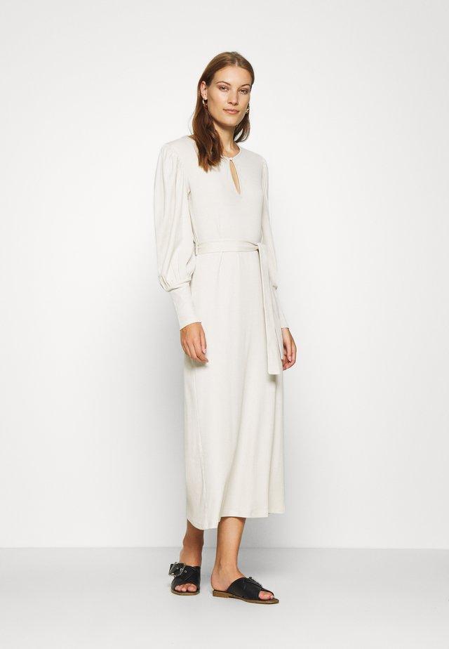 ALLISON DRESS - Długa sukienka - rainy day