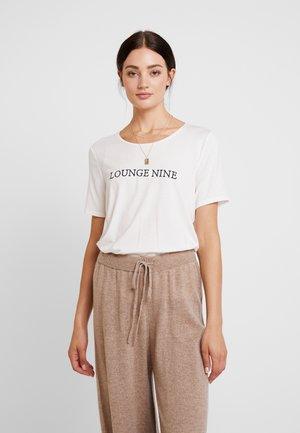 LOALN - T-shirt med print - chalk