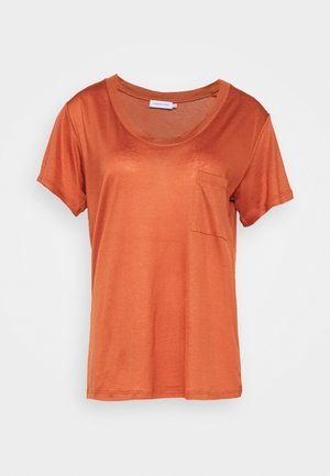 MOLLY DEEP ONECK - T-shirt basic - auburn