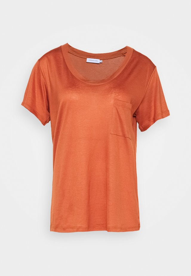 MOLLY DEEP ONECK - Basic T-shirt - auburn