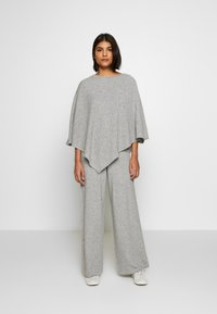 Lounge Nine - NOELLN PONCHO - Poncho - light grey melange - 1