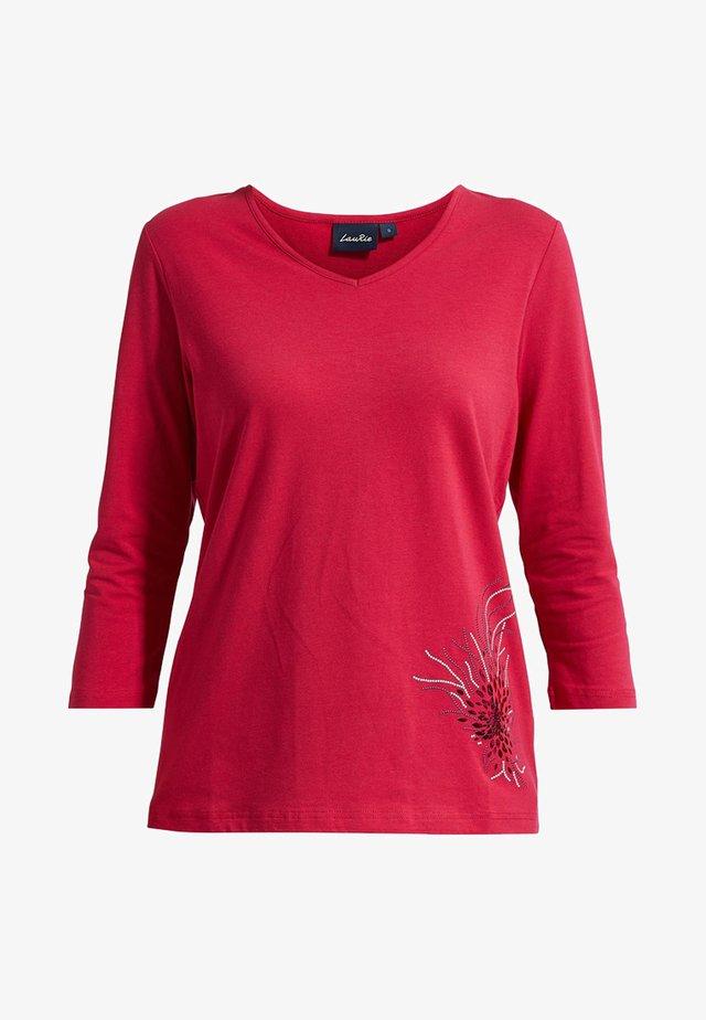 MIT MODISCHER VERZIERUNG - T-shirt à manches longues - persian red