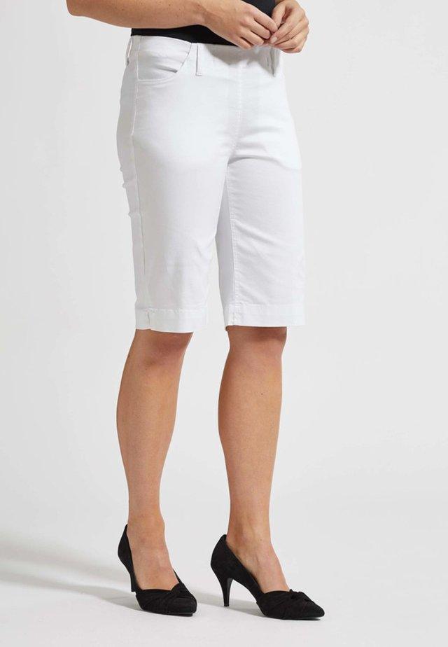 SAVANNAH MIT ELASTISCHEM BUND - Short - white