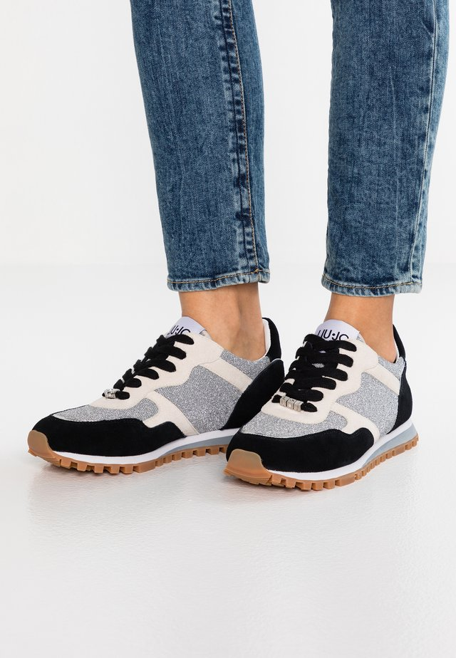 ALEXA - Sneakers - black/white