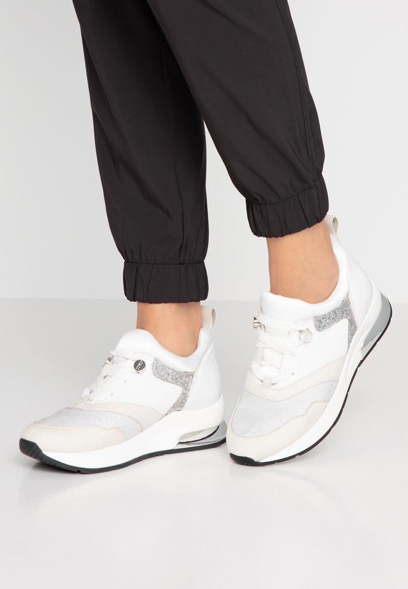 Liu Jo Jeans - KARLIE - Trainers - white